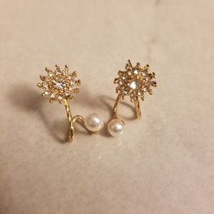 Jewelry - Dazzling Pearl Snowflake Stud Earrings In Gold